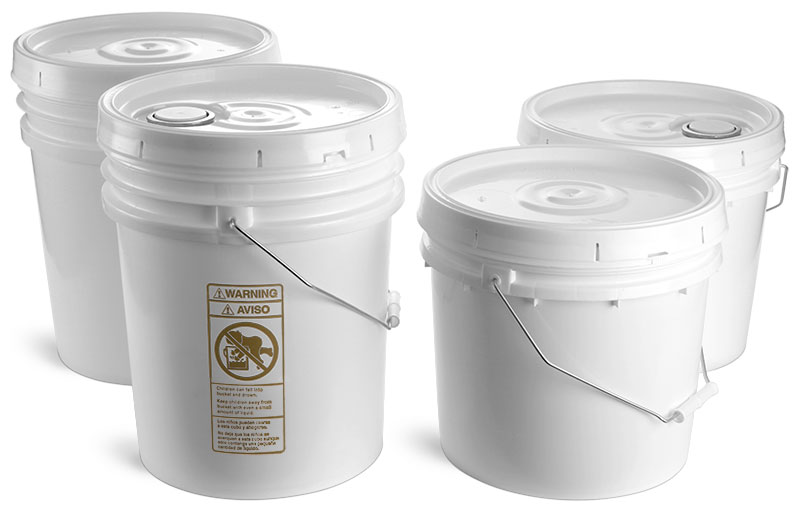 Plastic Pails, White w/ Cover and Handle