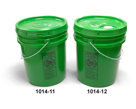 Plastic Pails, Green Pails w/ Cover and Handle