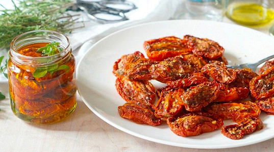 DIY - Easy Homemade Sundried Tomatoes in Glass Canning Jars
